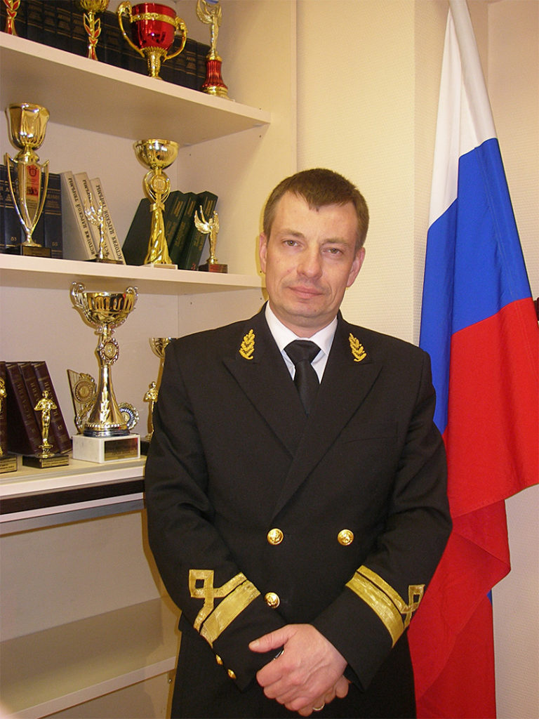 Орлов Дмитрий Викторович - директор школы